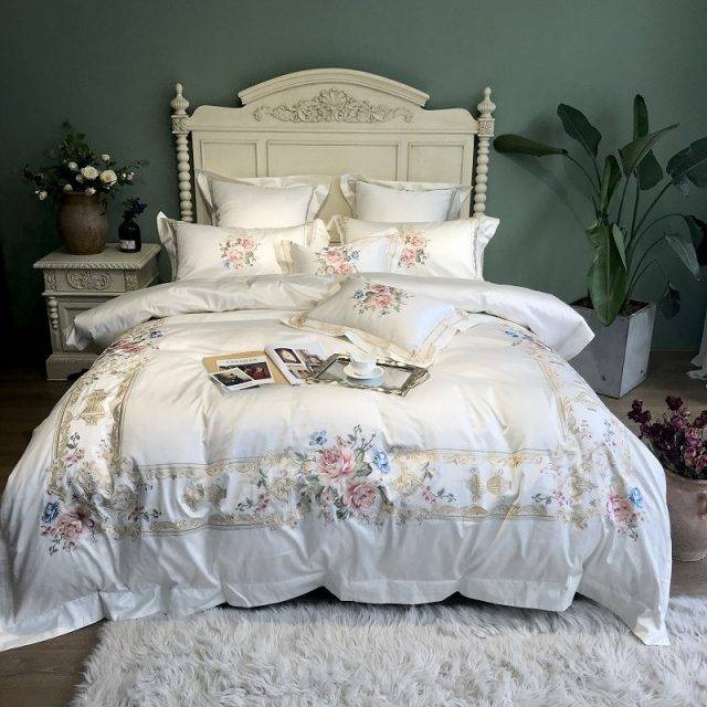 Egyptian Cotton Luxury Embroidery White Bedding Set Queen King size Bed cover Duvet Cover Bed sheet set parure de lit Bedding
