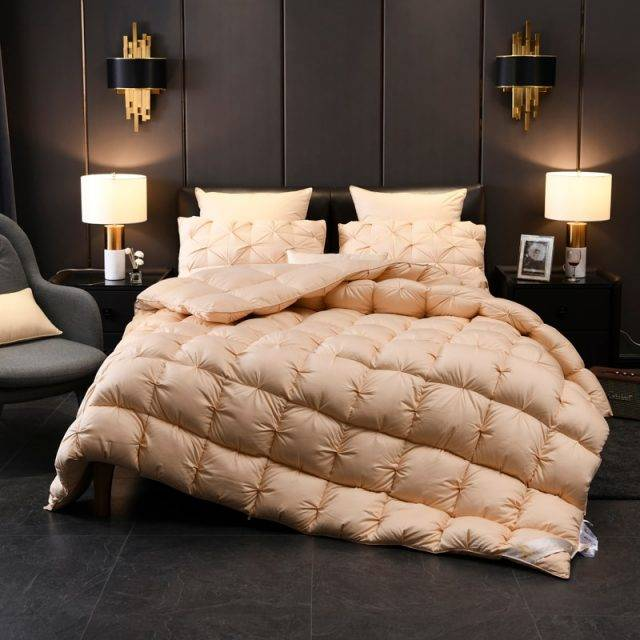 Luxurious White Goose Down Comforter Duvet Insert Bread Shape 100% Cotton Cover Blanket Twin Full Queen King size Blankets and Comforters